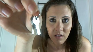 key holding domme clips